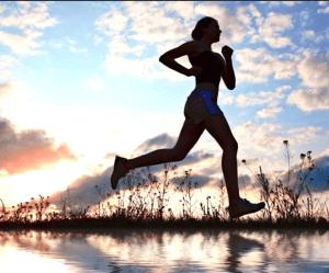 Kan man dyrke hård motion, når vi ikke spiser kulhydrater, men istedet en masse fedt – uden at gå sukkerkold?